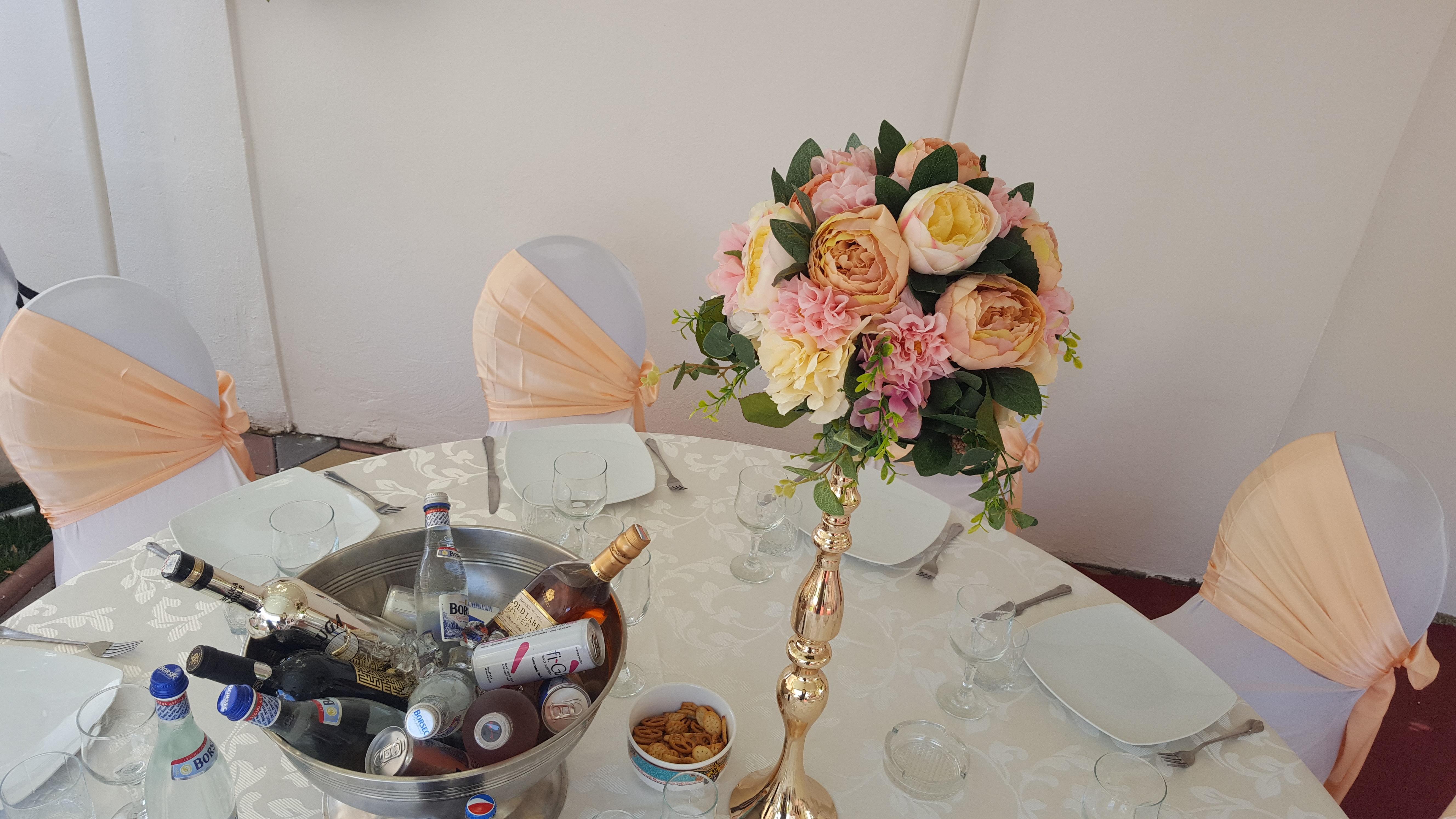 Aranjament floral roz portocaliu